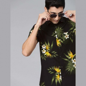 Men Black And Green Printed Slim Fit Shirt
